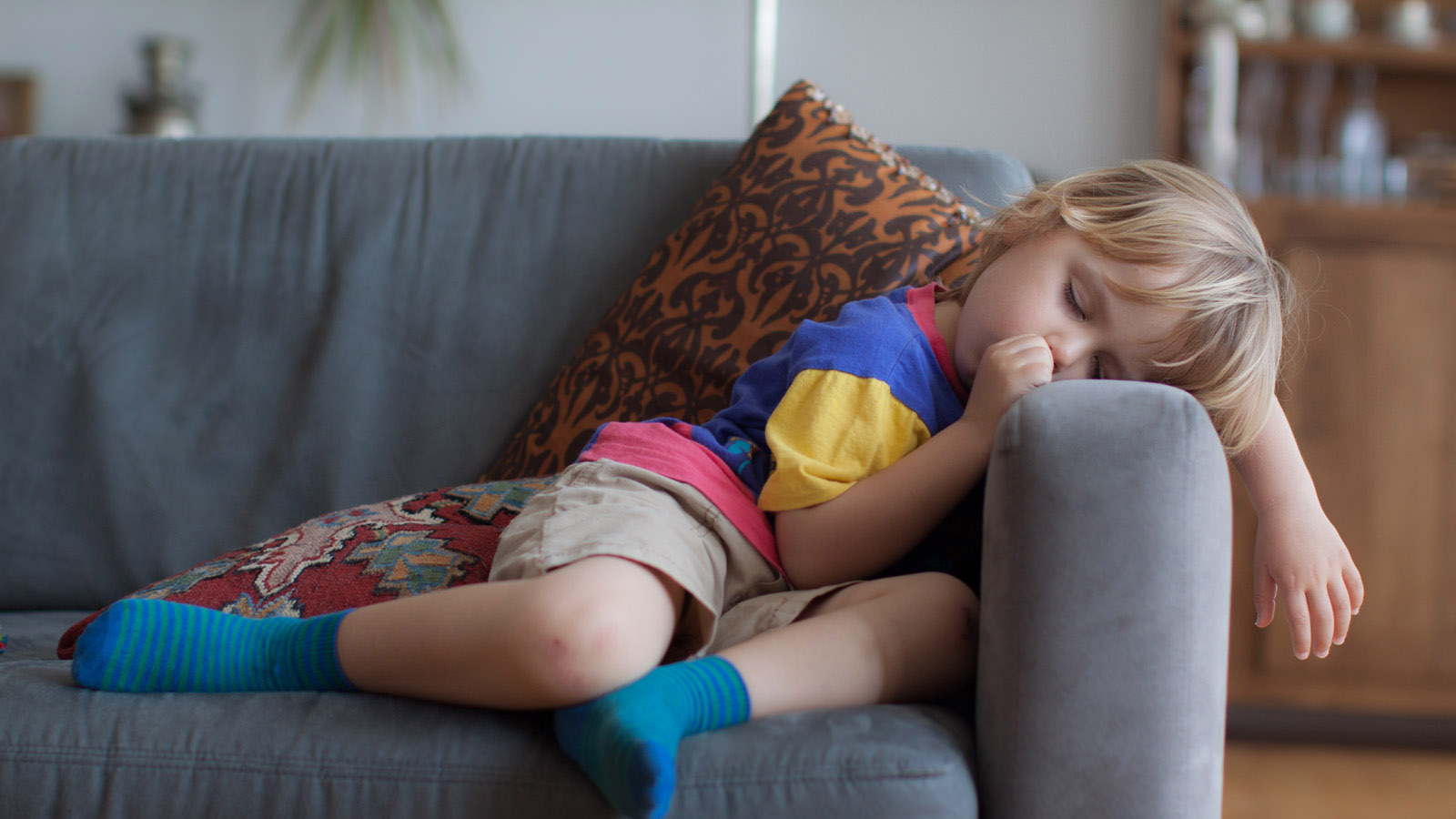 Teens and toddlers need more sleep